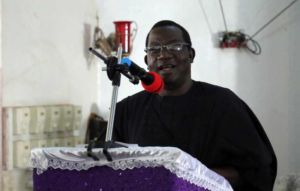 Plateau State Governor, Rt. Hon. Simon Bako Lalong speaking at the Requiem Mass at St. Louis Catholic Archdiocese of Jos, Plateau State