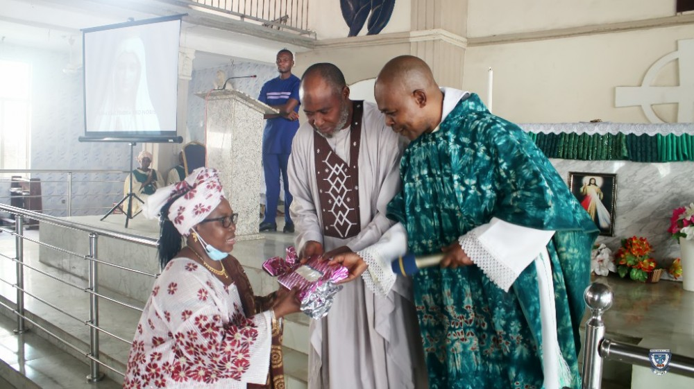 Regina Caeli Catholic Chaplaincy, Ful Holds Valedictory Mass/thanksgiving Service For Outgoing Vc, Prof. Angela F. Miri